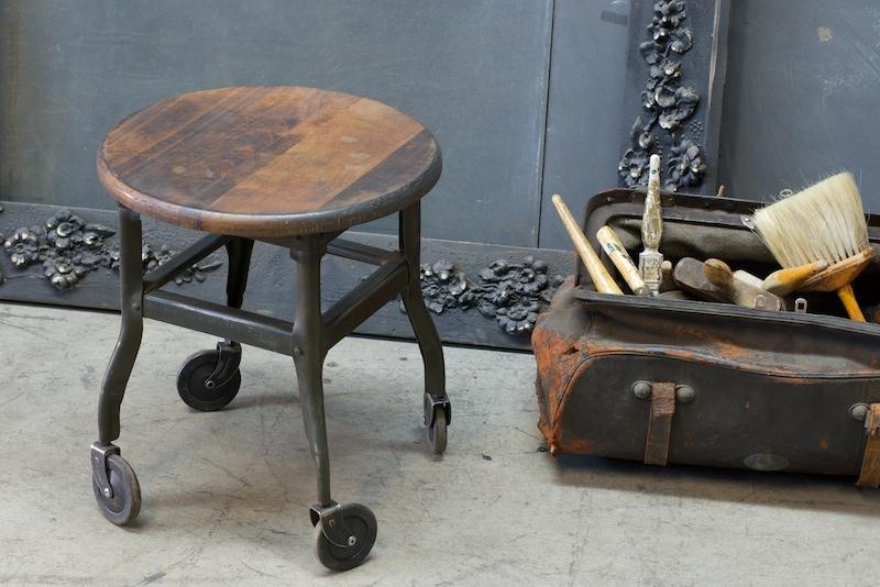 modern50 painters stool